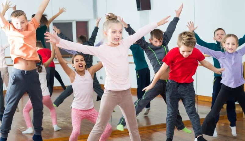 4777068eb0201c8aeace711d2811ae130e658ed6_Holmes_Place_Portugal_Group_Classes_Dance_Kids_Class_Detail_1256_726_803x744